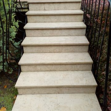 Rénovation escalier pierre par ponçage polissage
